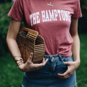 The Hamptons tee